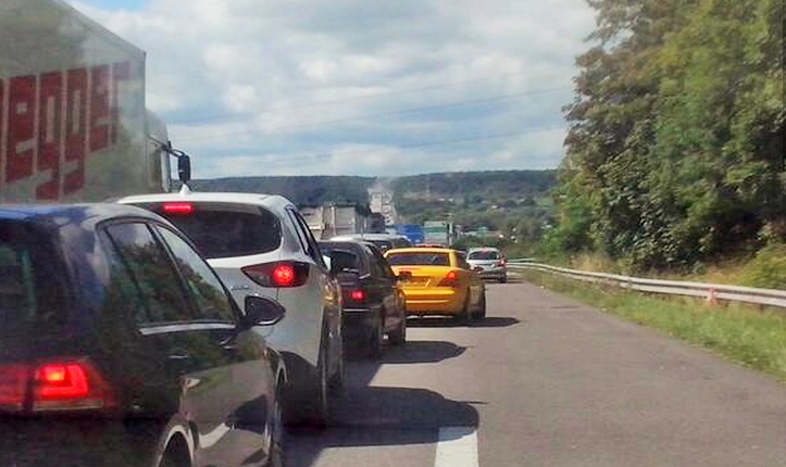 Circulation chargée sur l'A13 et autour de Caen