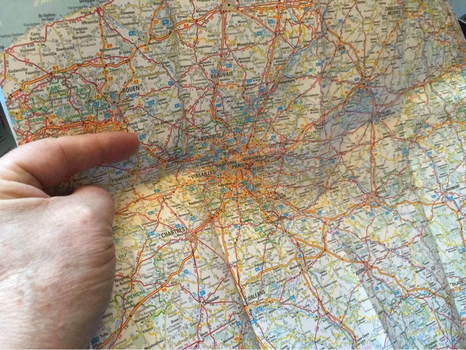 Déville-lès-Rouen : le voleur a la carte routière subtilise le portefeuille d'une femme de 82 ans