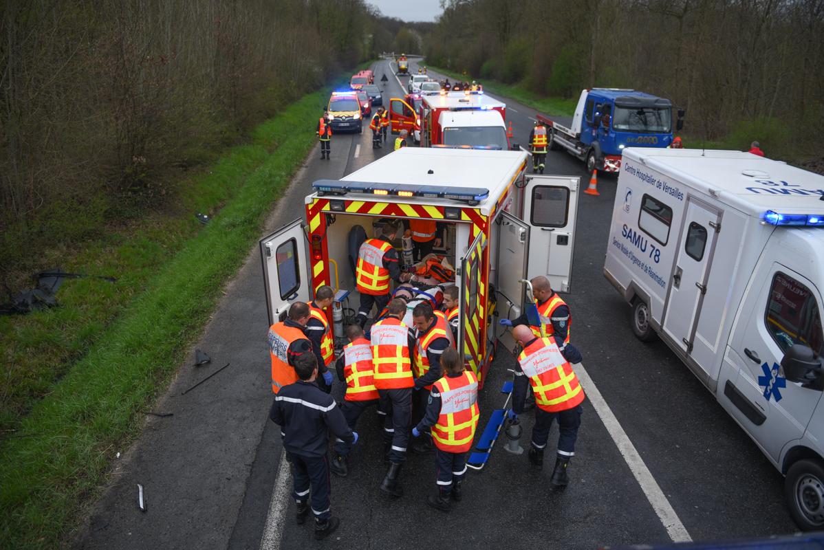 Deux des blessés graves ont dû être désincarcérés par les sapeurs-pompiers