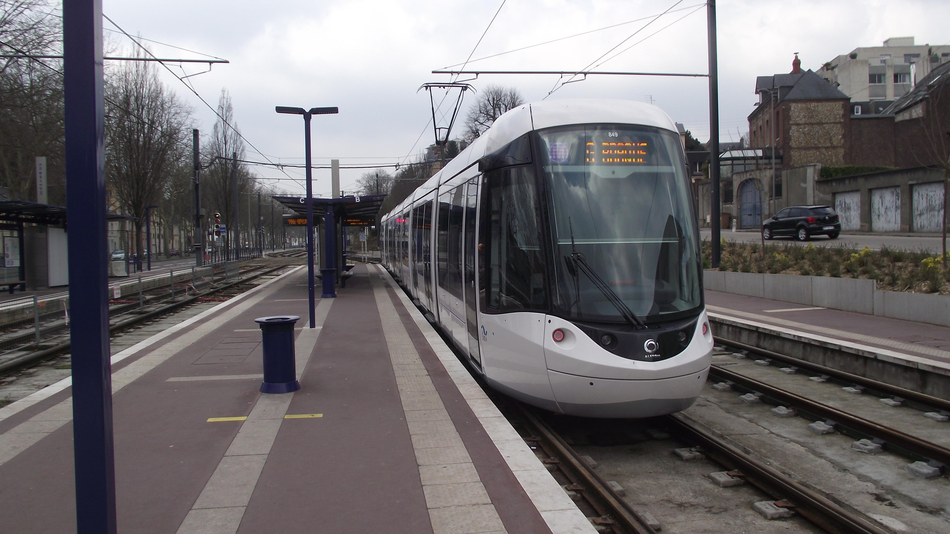 L'agresseur de l'adolescente a été interpellé à sa descente du métro à la station Ernest Renan, à Saint-Etienne-du-Rouvray (Photo d'illustration)