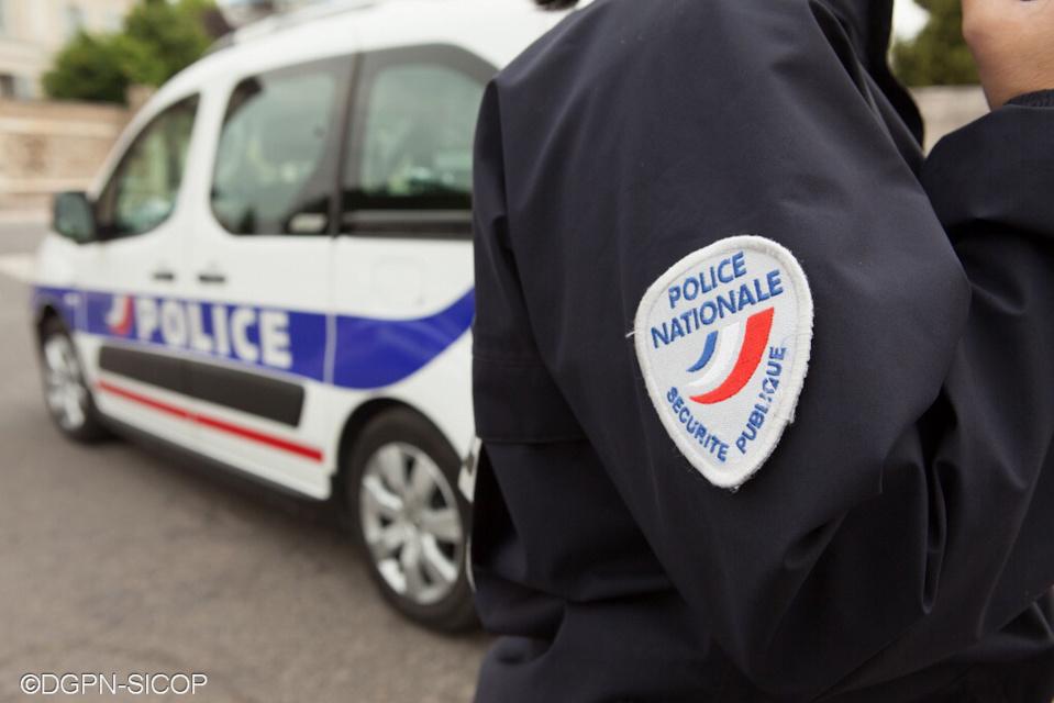 Rouen : trois policiers blessés en interpellant un jeune homme qui refusait de montrer ses papiers