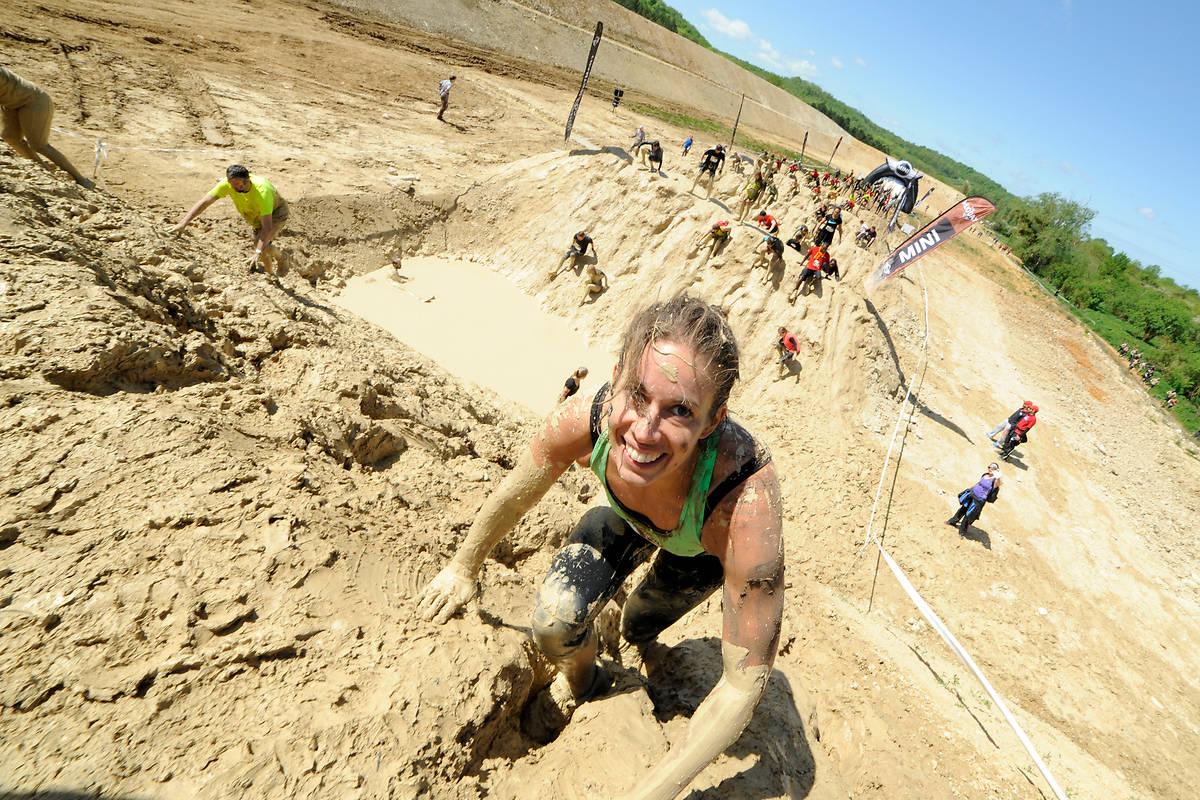 13 kilomètres à parcourir dans la boue et à franchir des obstacles dignes d'un entrainement commando. Crédits photos : Pierre  Alessandri /Pauline Ballet / AS0