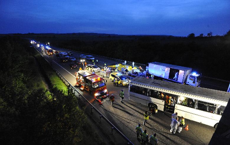 Collision entre un autocar et une voiture sur l'A28 : c'est le scénario imaginé pour cet exercice grandeur nature (Photo Préfecture de Seine-Maritime)
