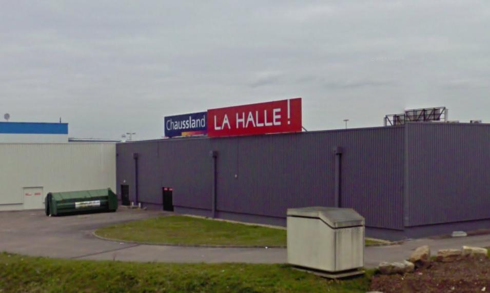 Tourville-la-Rivière : des malfaiteurs s'attaquent à la Halle avec une voiture bélier