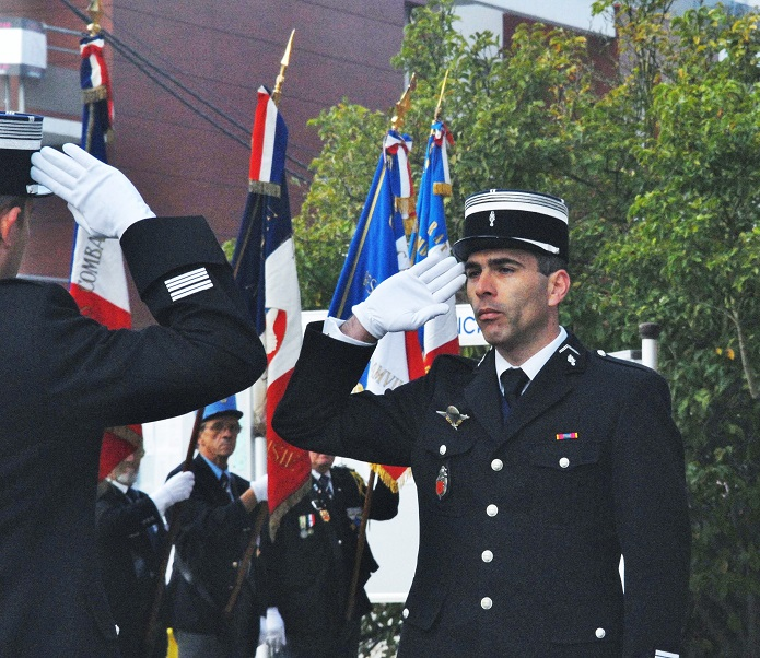Le che chef d'escadron lors de sa prise de commandement à la compagnie de Louviers en 2011. Il était alors capitaine (@DR)