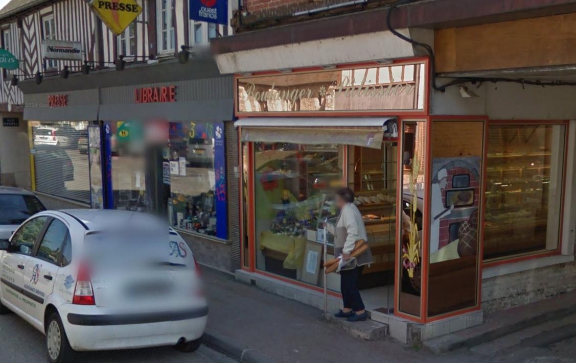 La boulangerie Chéron est située dans le centre-ville de Thiberville