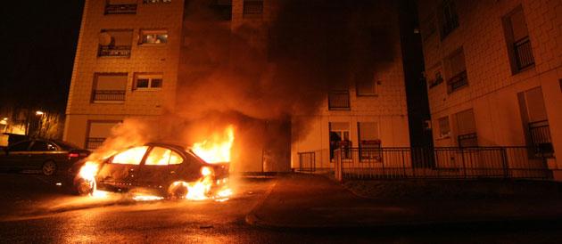 Dans l'Eure, 14 véhicules ont brûlé dans la nuit de mardi à mercredi, selon le chiffre communiqué par le préfet René Bidal (Photo d'illustration @DR)