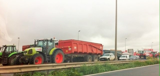 La Seine-Maritime durement touchée par les barrages des agriculteurs cet après-midi