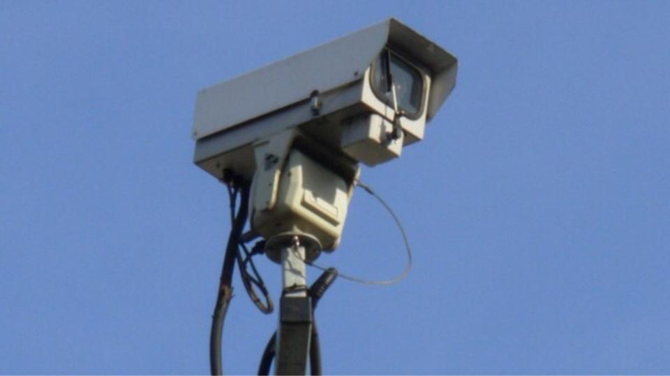 Illustration. Une caméra de vidéosurveillance devait être installée à l'endroit où le véhicule a été incendié cette nuit, place du Marché
