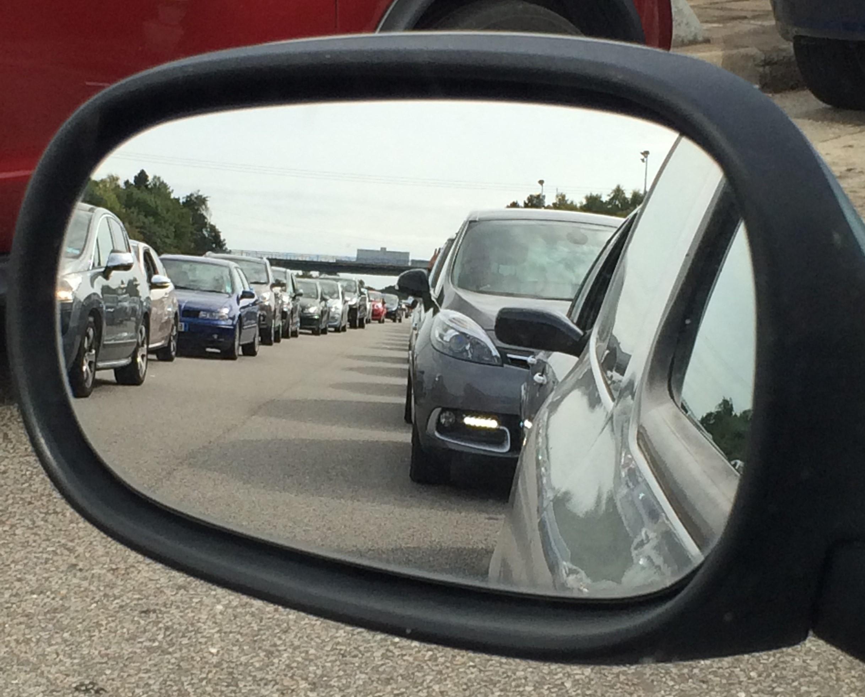Le trafic est soutenu ce samedi matin sur l'autoroute A13 en direction de la Normandie (Photo : Mathilde/infoNormandie)