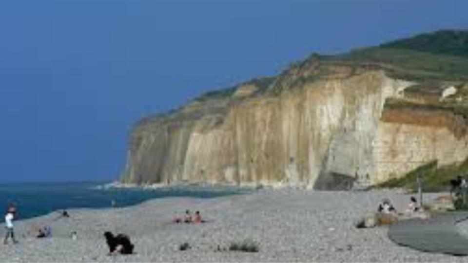 Illustration. Les falaises de Vatengeville-sur-Mer