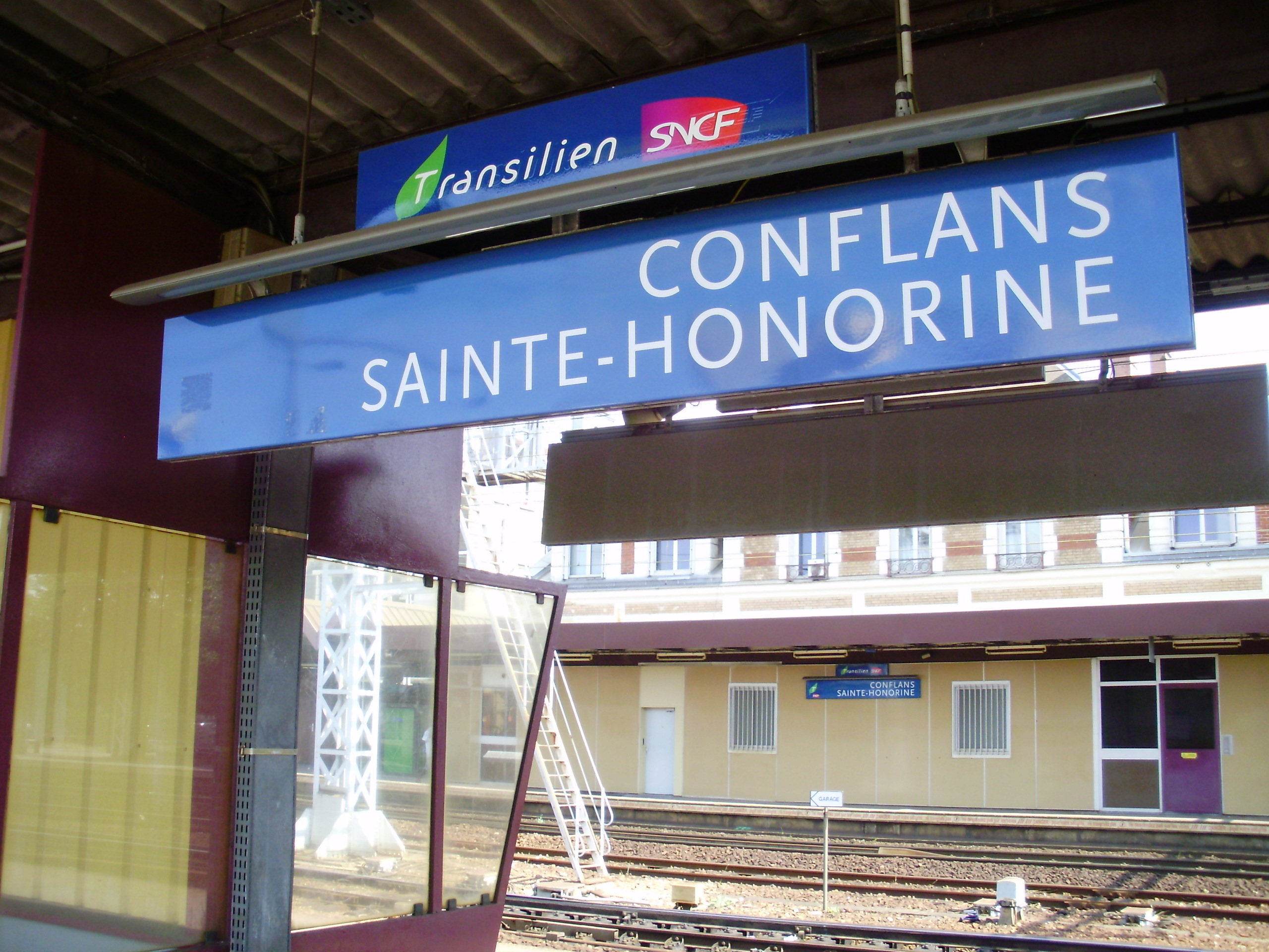 Yvelines : un train de voyageurs bloqué en gare de Conflans à cause d'un perturbateur ivre