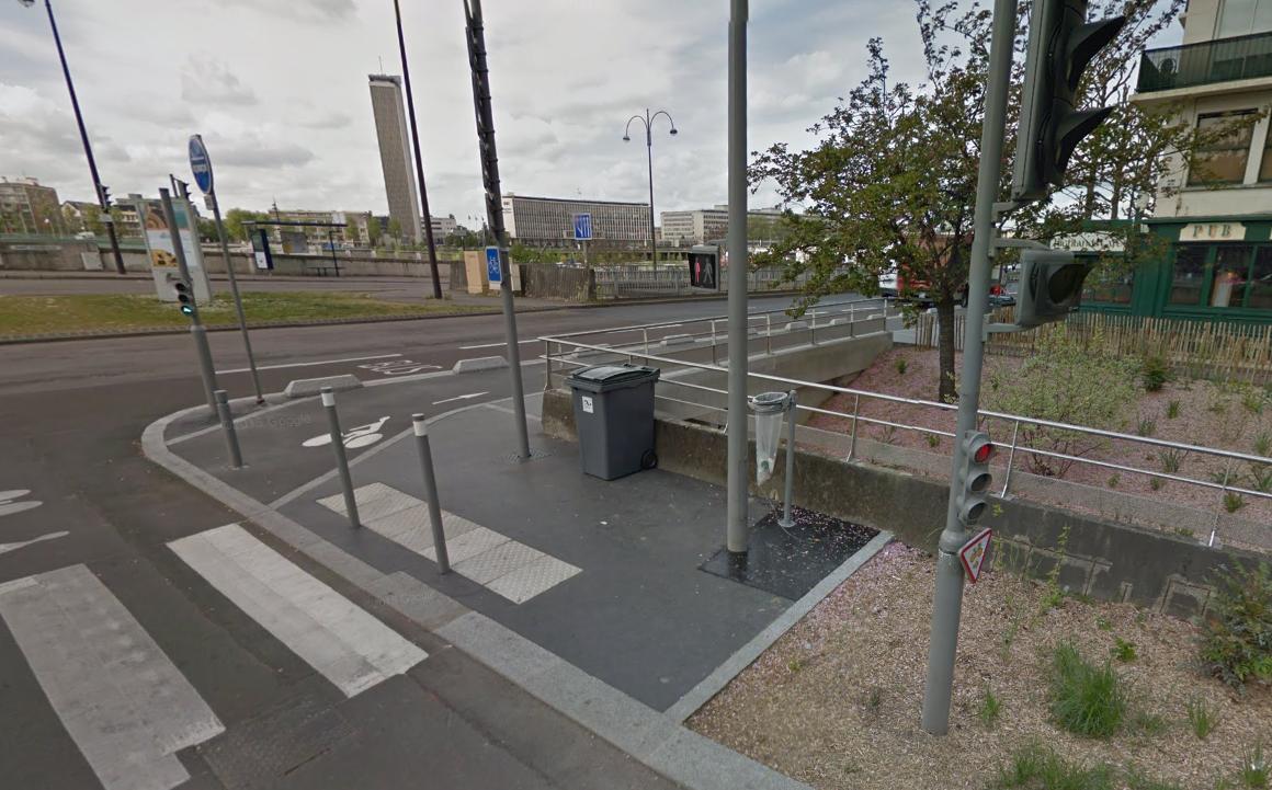 Le jeune homme se serait assis sur la balustrade de sécurité du passage souterrain et aurait basculé dans le vide (Photo d'illustration)