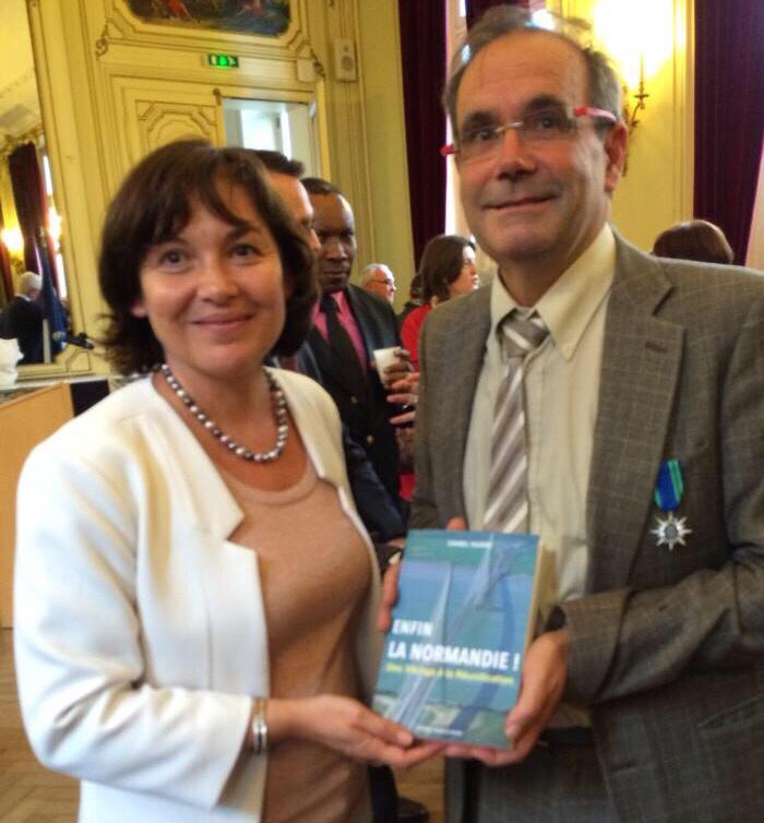 Franck Martin et Annick Girardin, hier soir à la mairie de Louviers (Photo @DR)