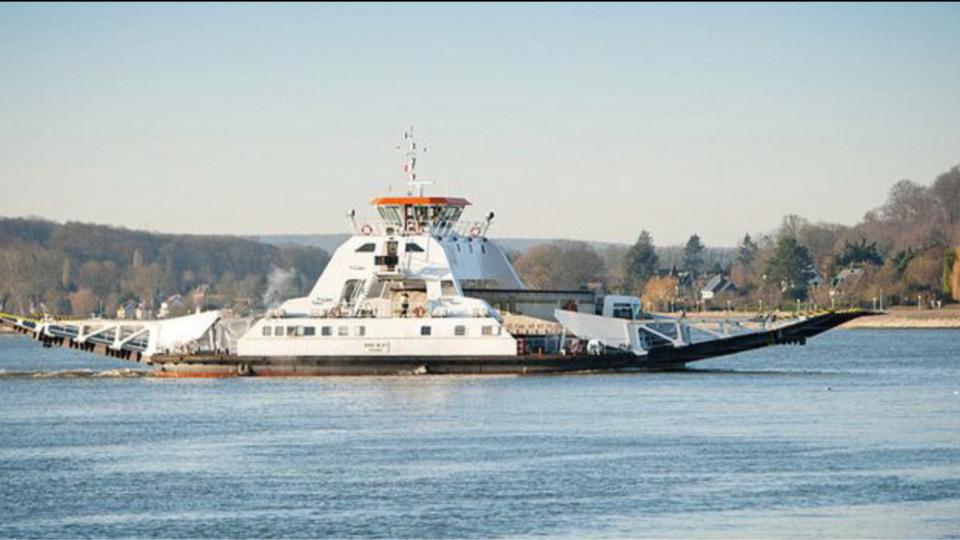 Le bac de Quillebeuf assure la traversée du fleuve à quelque 1800 véhicules par jour