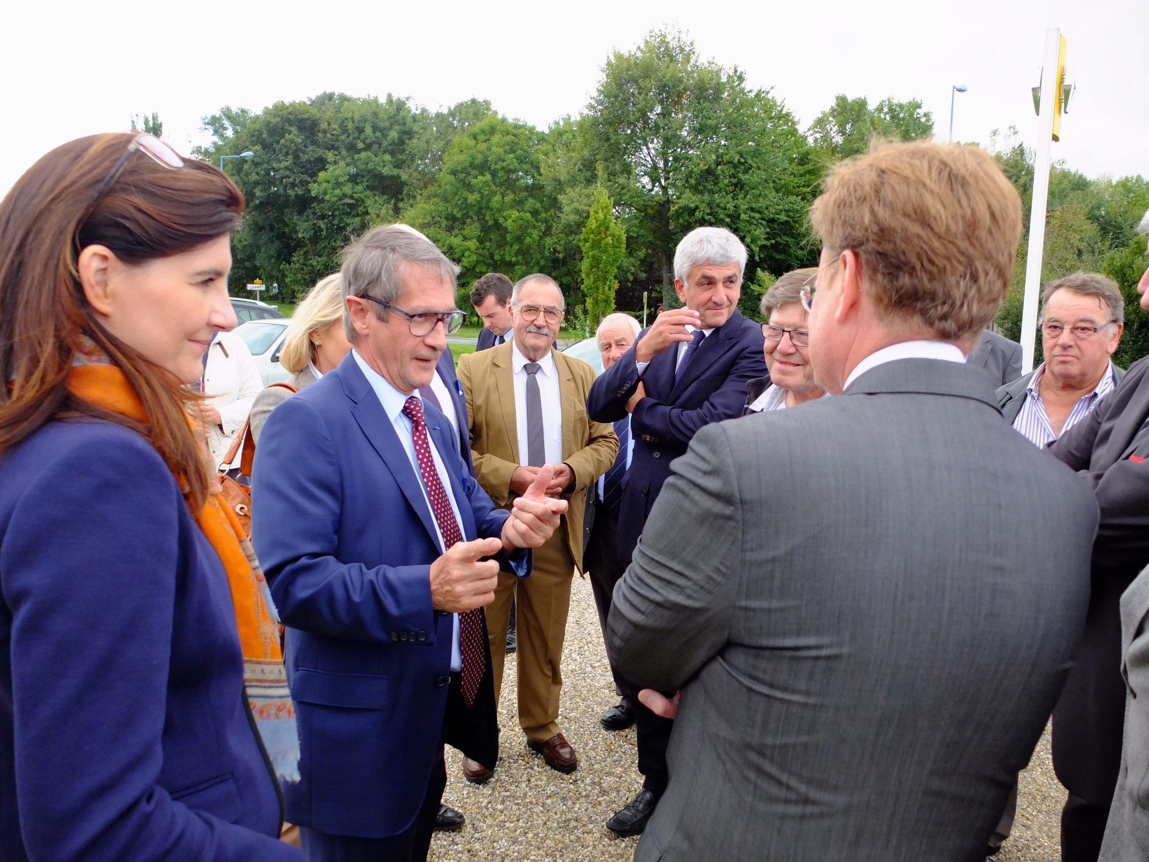Les officiels lors de la visite inaugurale vendredi (Photo@DR)