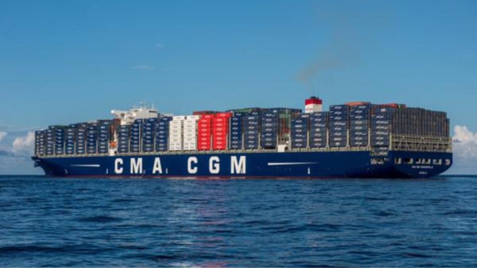 Le CMA CGM Bougainville est le plus grand porte-conteneurs au monde battant pavillon français.