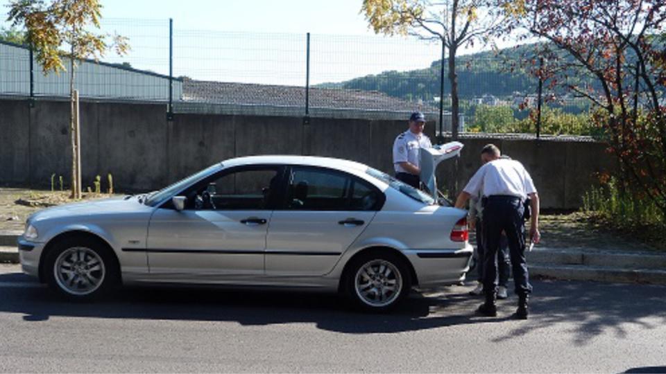 Les policiers, travaillant sur réquisition du procureur de la République, avaient la faculté d'inspecter les coffres des véhicules