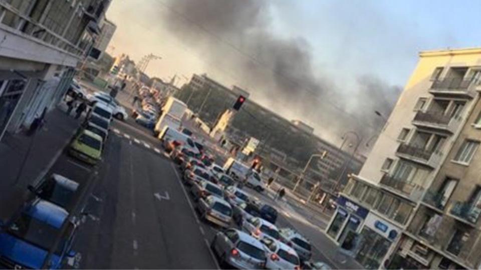 Rue du Grand-Pont, rue de la République, pont Flaubert ... Tous les grands axes  routiers et autoroutiers sont bloqués à Rouen et dans l'agglomération