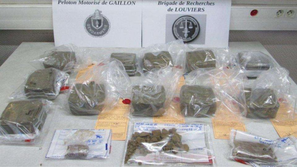 Les produits stupéfiants saisis par les gendarmes ont été placés sous scellés (Photo : Gendarmerie nationale)