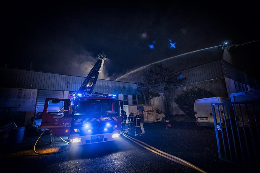 Les moyens engagés ont permis aux pompiers de limiter amplement les dégâts (photo @Sdis78/I. Michel)