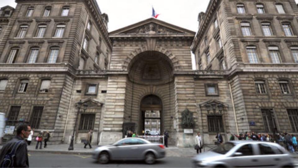 La préfecture de police, à Paris