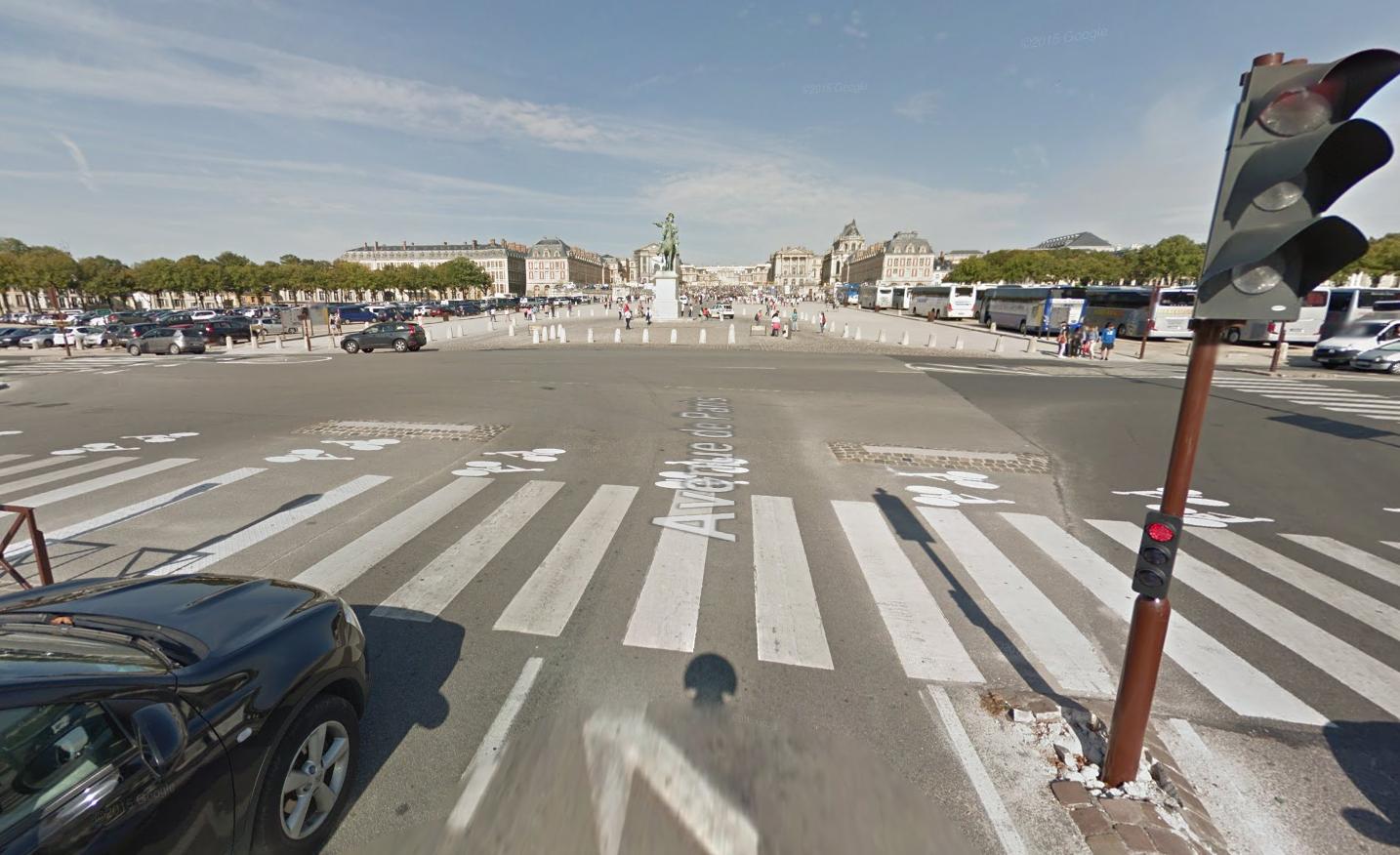 Le parlement se réunira  en congrès à partir de 16 heures dans l'enceinte du Château de Versailles