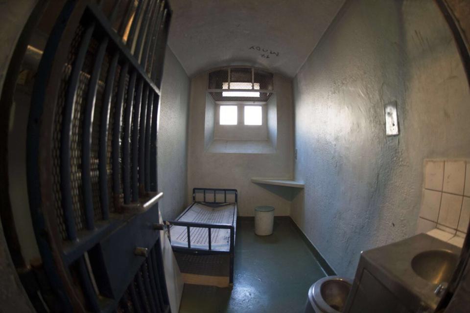 Maison d'arrêt de Bois d'Arcy : le détenu met le feu à son matelas à deux reprises