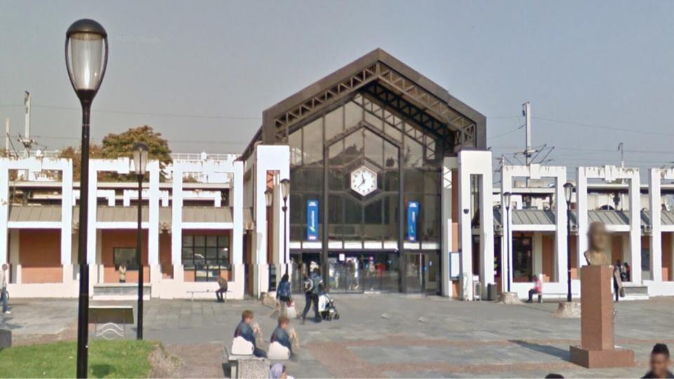Colis suspect sur le quai de la gare de Poissy : commerces évacués et trains arrêtés