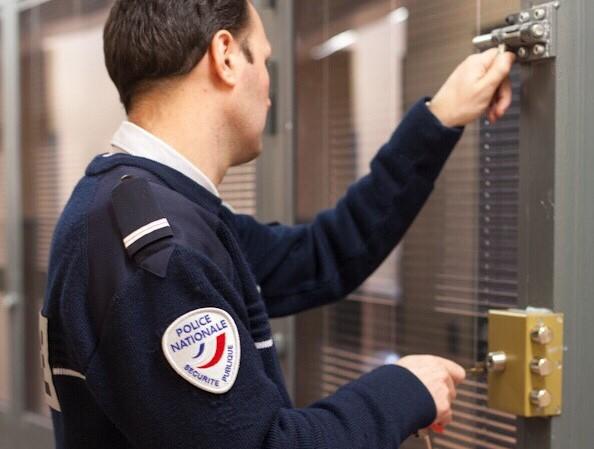 L'adolescent a fini sa nuit en chambre de sûreté au commissariat du Havre (illustration@DGPN)