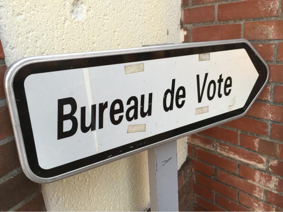 En Normandie, il reste un peu moins d'her pour aller voter (Illustration@infoNormandie)