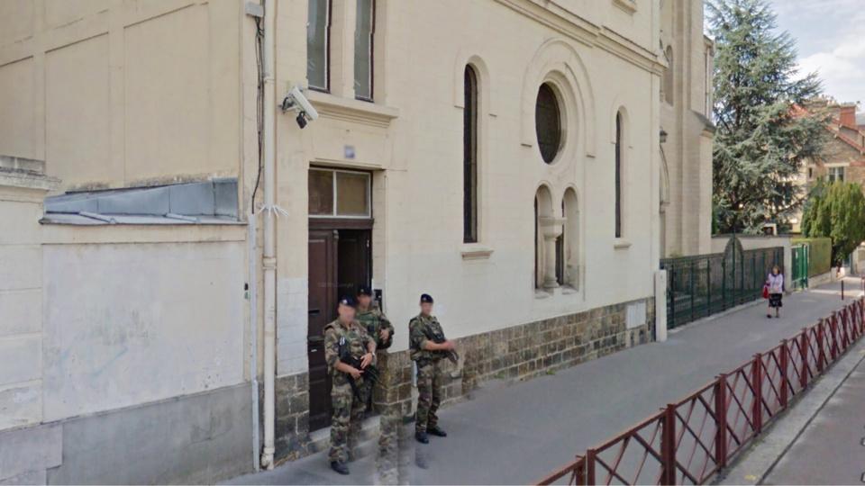 Les sentinelles en faction devant la synagogue de Versailles ont été pris à partie sans aucune raison (Illustration @Google Maps)
