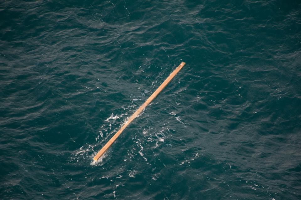 Des madriers de bois à la dérive : la préfecture maritime appelle les navigateurs à la prudence