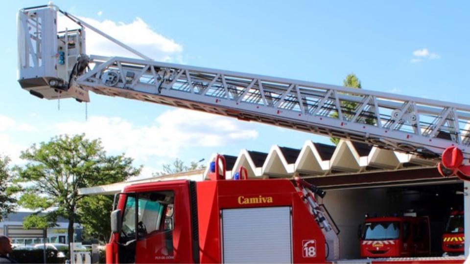 Dieppe : la police réquisitionne la grande échelle des pompiers pour porter secours à un malade