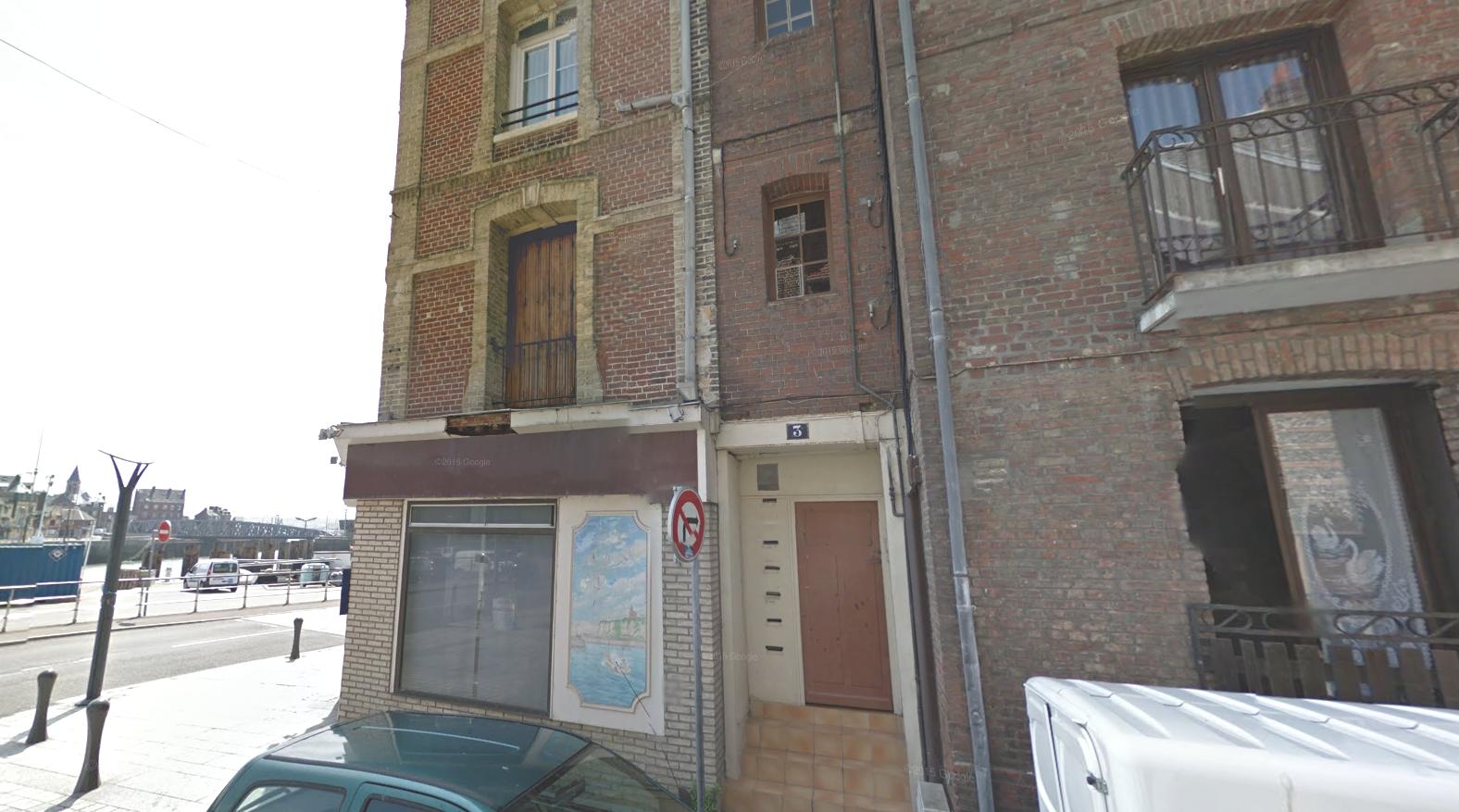 Le corps du quadragénaire tué par balle a été découvert dans cet immeuble situé 3 rue du Rade, dans le centre-ville de Dieppe