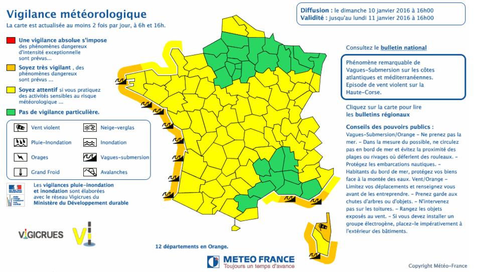 Vagues, vent, orages, crues : alerte Météo dans l'ouest de la France