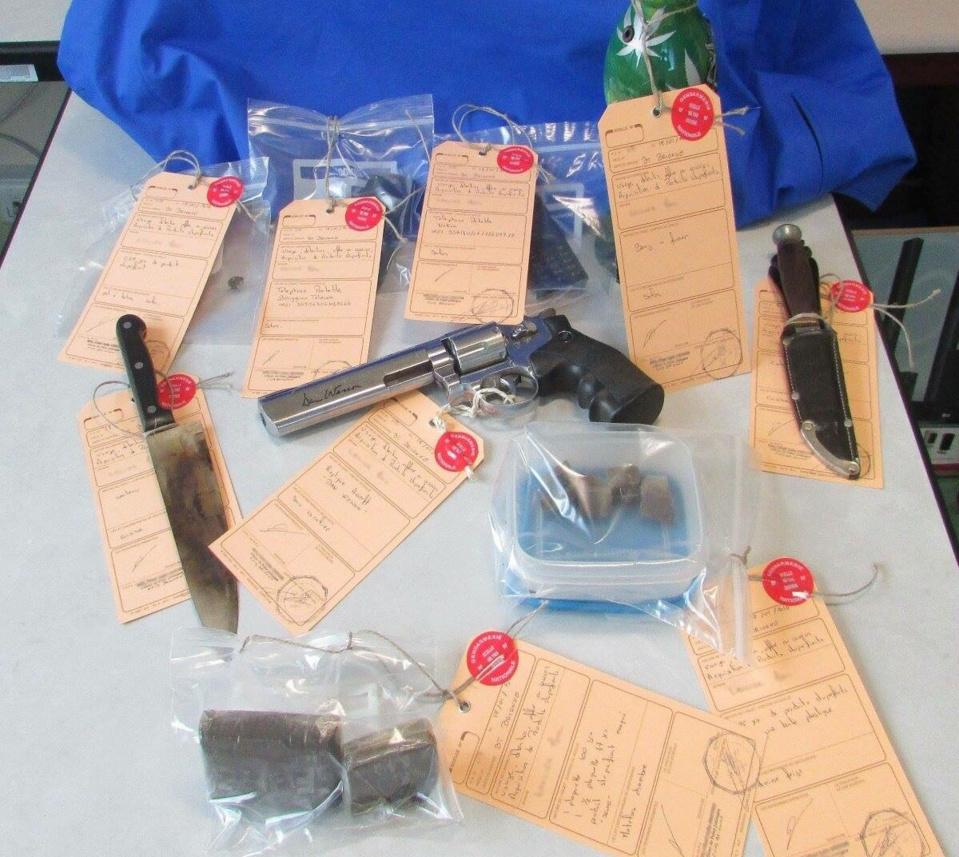 175 g de résine de cannabis et une arme de poing saisis chez un petit trafiquant de Brionne