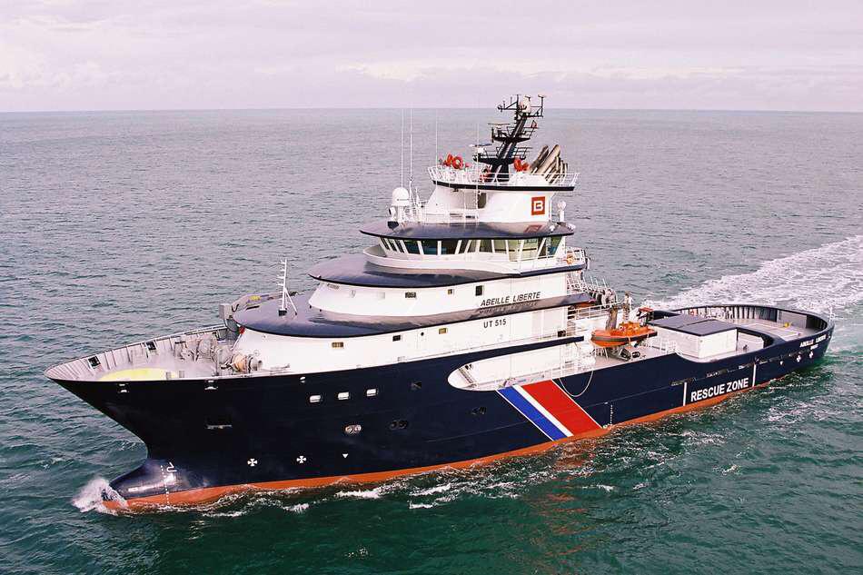 L'Abeille Liberté à porte assistance au navire en difficulté (Photo@Ministère de la défense)