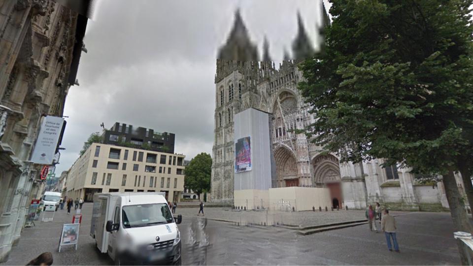La victime a été abordée puis agressée place de la Cathédrale, à Rouen (Illustration@Google Maps)