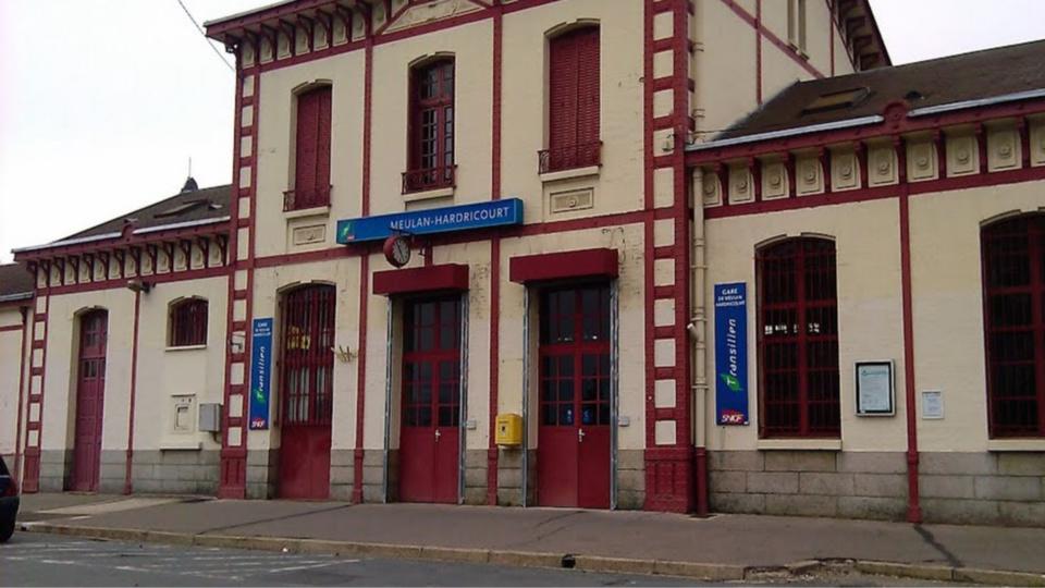 Meulan-Hardricourt : un voyageur interpellé dans le train pour attouchements sexuels