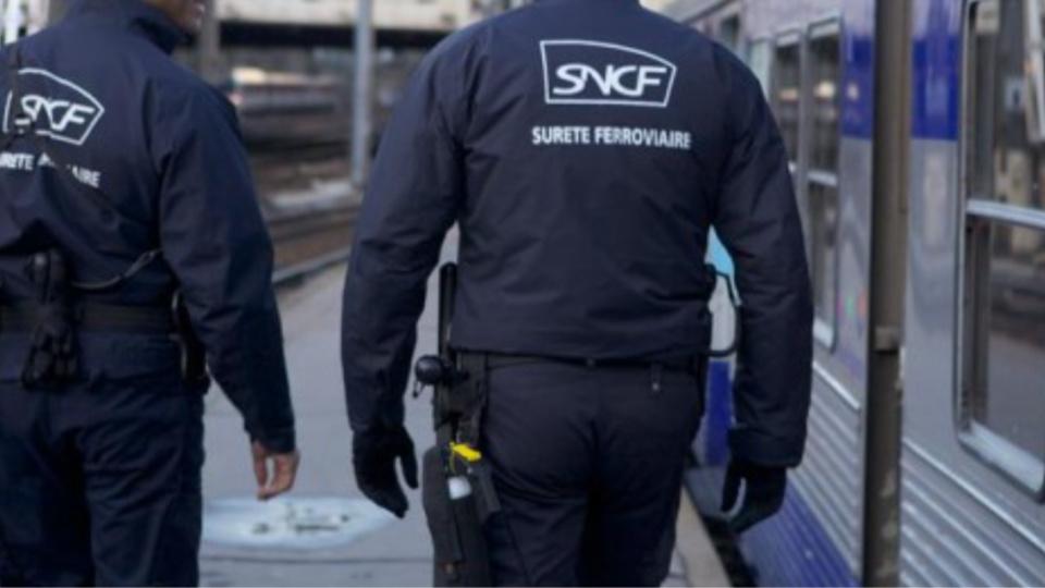 Mantes-la-Jolie : des agents de la SUGE agressés par un voyageur qui fumait dans le hall de la gare
