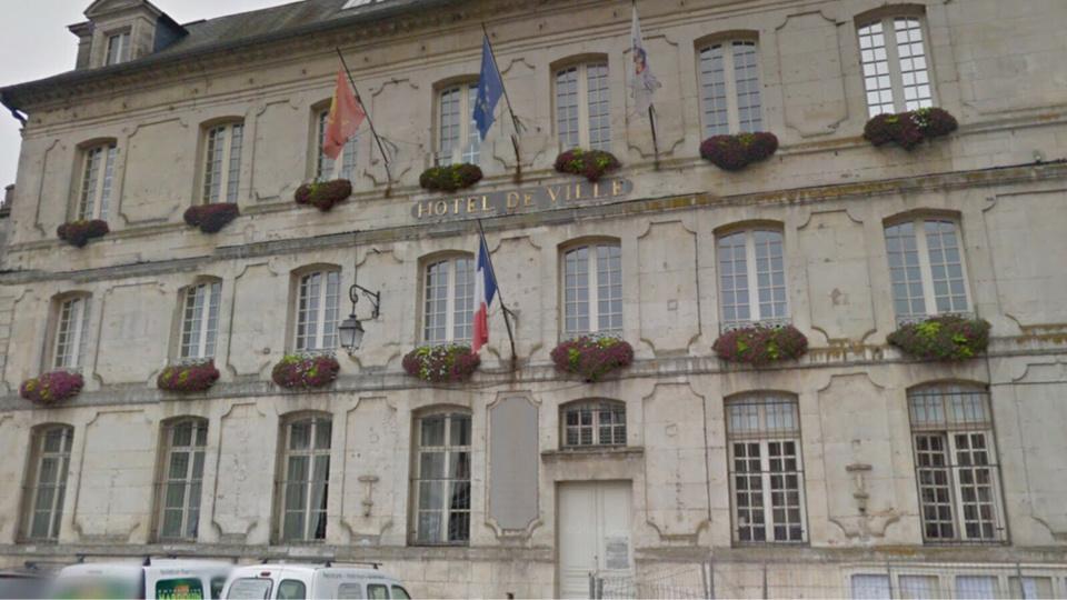 L'hôtel de ville de Bernay