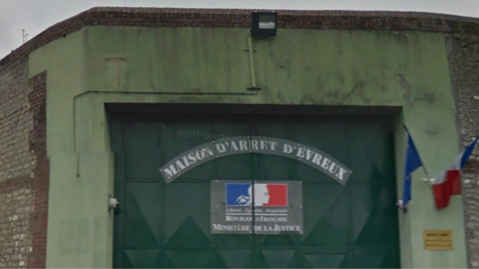 Le trublion de la salle des fêtes de Fouqueville est derrière les barreaux à la prison d'Évreux