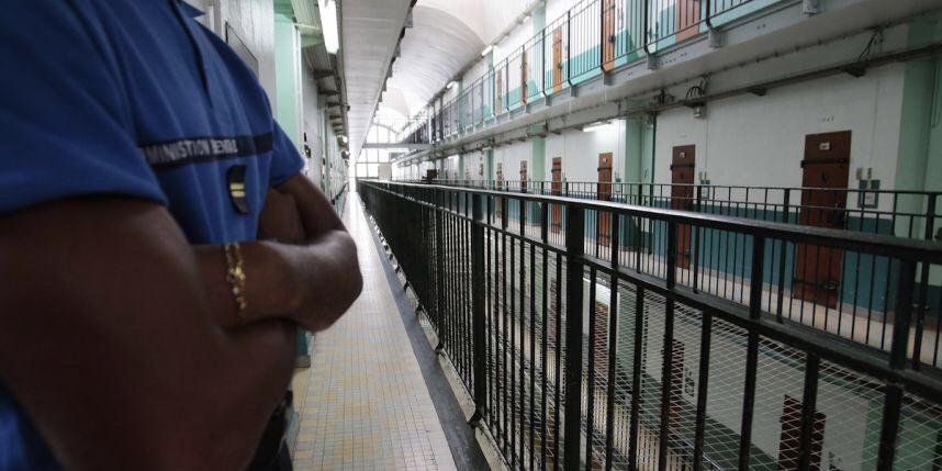 Des cellules du centre de détention de Val-de-Reuil (Eure) passées au peigne fin cette nuit