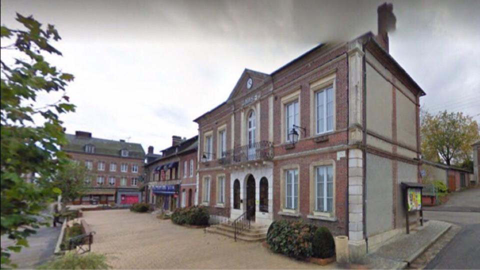 Saint-Georges-du-Vièvre : le cambrioleur de la mairie identifié par les gendarmes