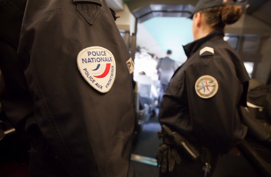 Les six migrants ont été pris en charge par la police aux frontières qui va examiner leur situation (Illustration@DGPN)
