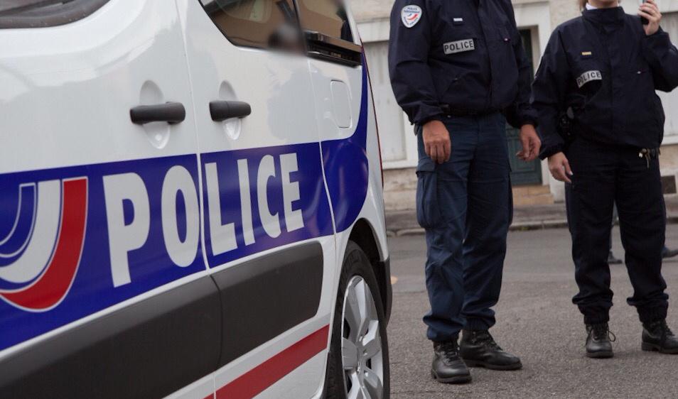 Trappes : des véhicules de police et de pompiers victimes de projectiles lors d'une intervention