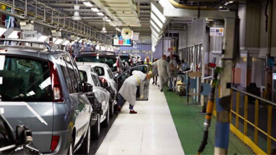 222 embauches chez Renault à Sandouville : Édouard Philippe se réjouit de la bonne nouvelle