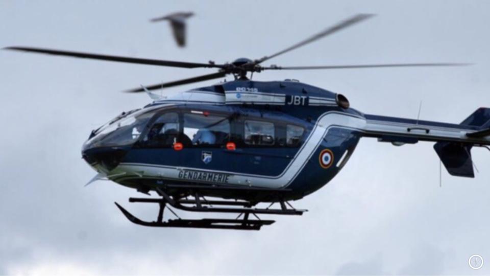 Un hélicoptère de la gendarmerie participe aux recherches depuis le début d'après-midi (Illustration)