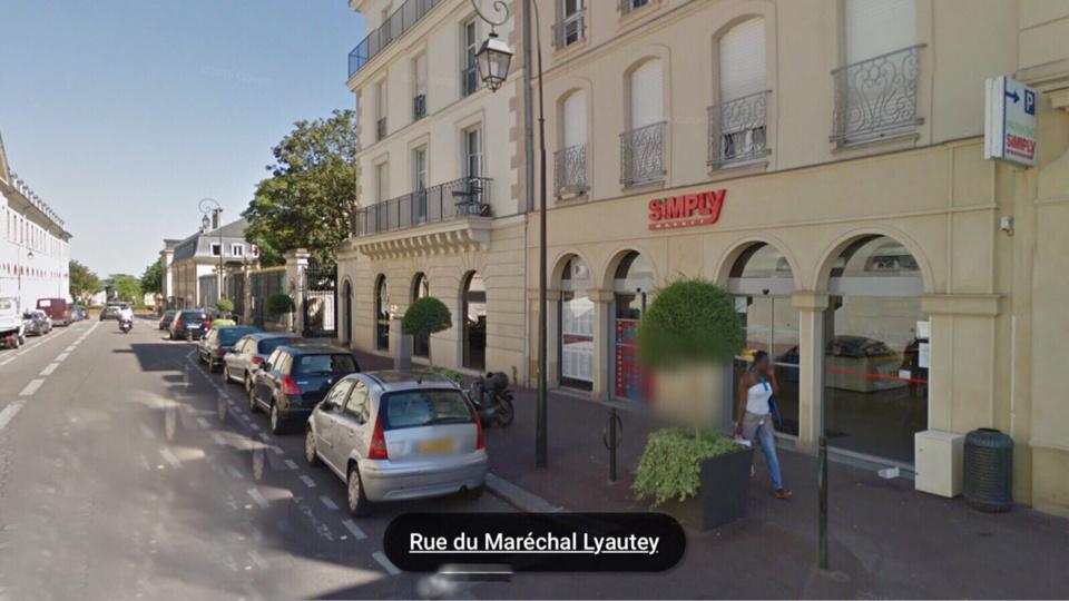 La victime a été agressée après avoir fait ses courses dans un supermarché de la ville (Illustration)